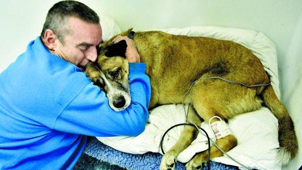rescató a su perro de un incendio