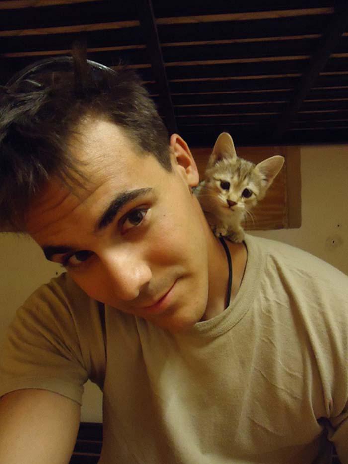 gatos-y-soldados-amigos-de-guerra-7