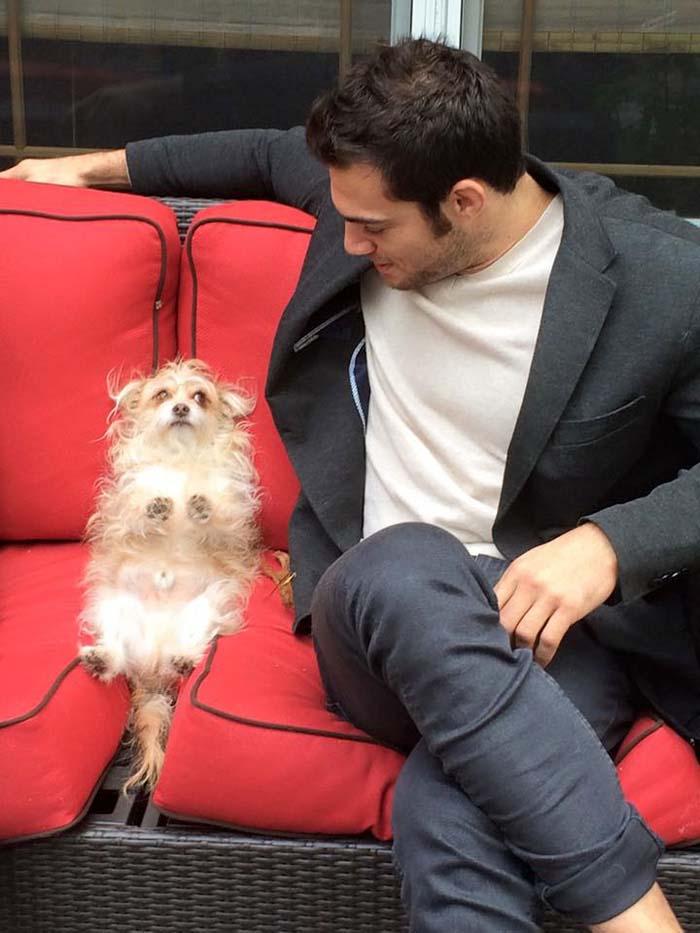 Evan y un perro