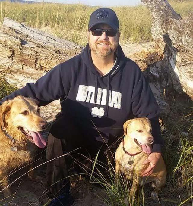 hombre fue aseinado por defender a un perro