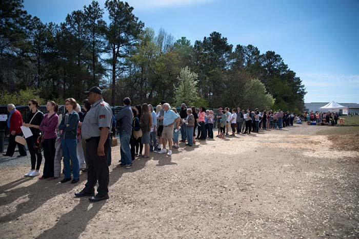 Hicieron fila 3500 personas para adoptar