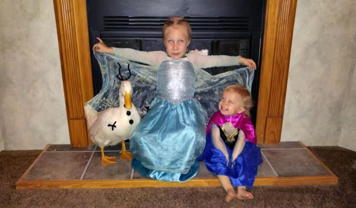 kylie y Snowflake disfrazados