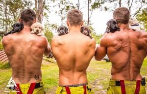 Estos bomberos se desnudan por una buena causa