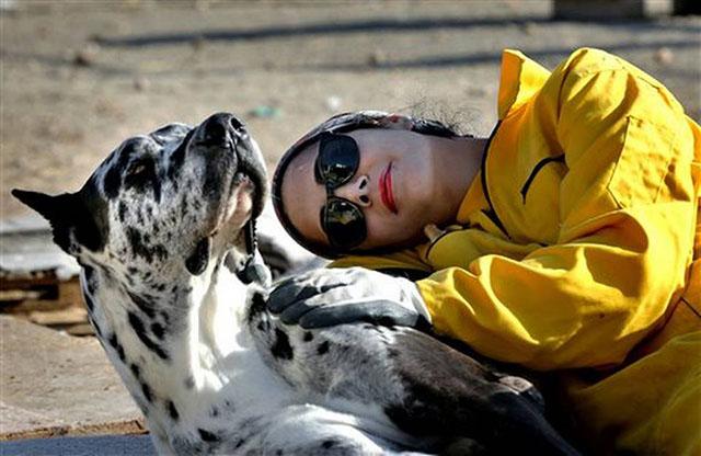 Homa Rashid, abogada y voluntaria en el refugio animal Vafa animal, en Irán