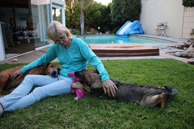 Caesar y Saskia felices en nuevo hogar