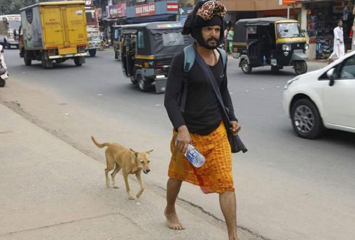 Esta perra caminó 600 km acompañando a Navee