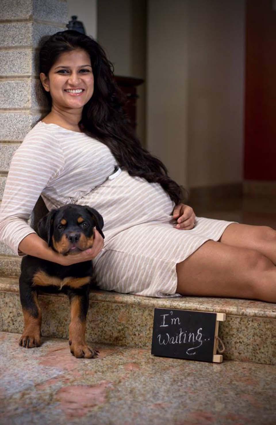 Sanjana y su cachorro