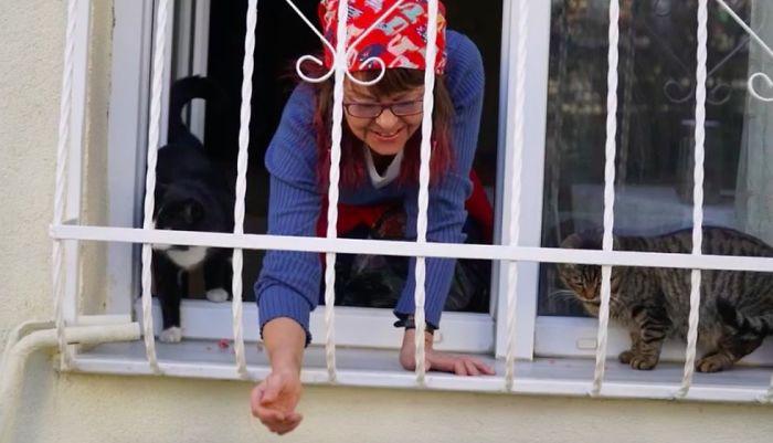 Mujer contruyó una escalerilla