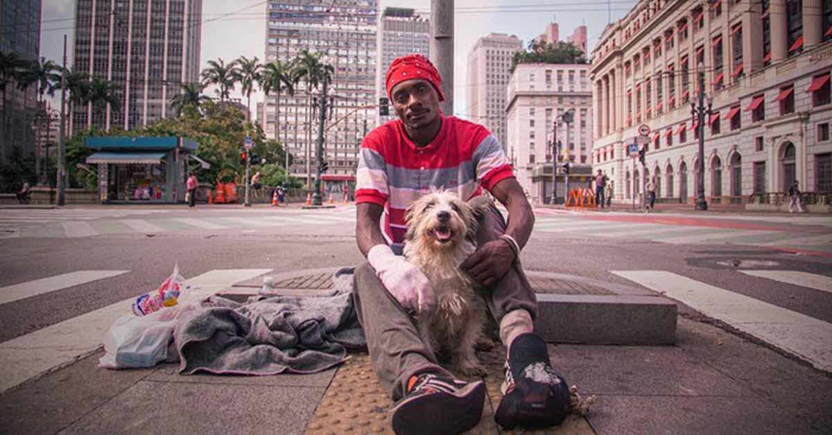 Hombre dejó la adicción al crack con la ayuda de su perro