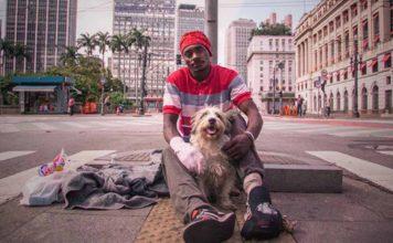 Este hombre dejó la adicción a las drogas con la ayuda de su perro