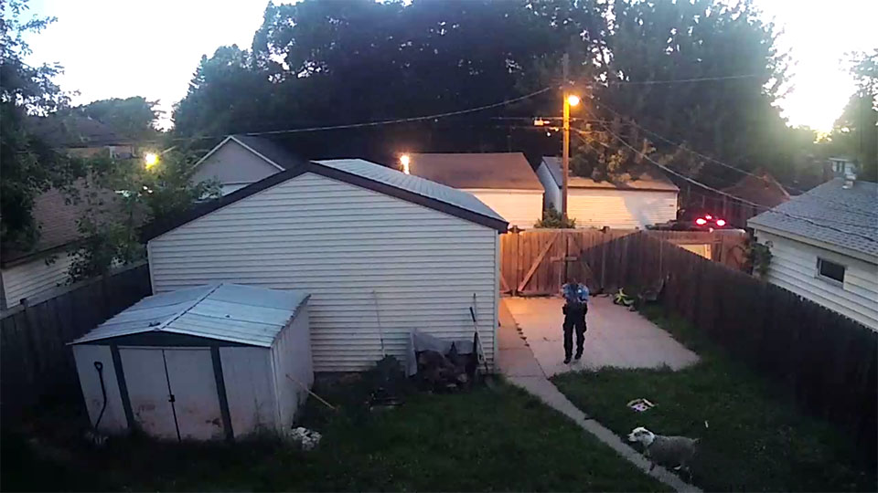 Policía le dispara a perro