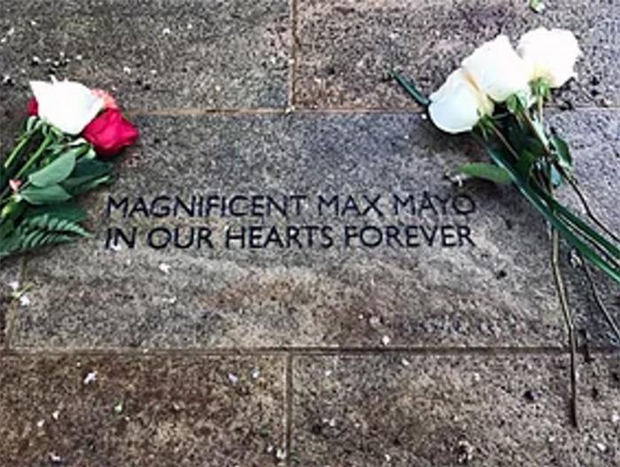 Piedra conmemorativa de Max