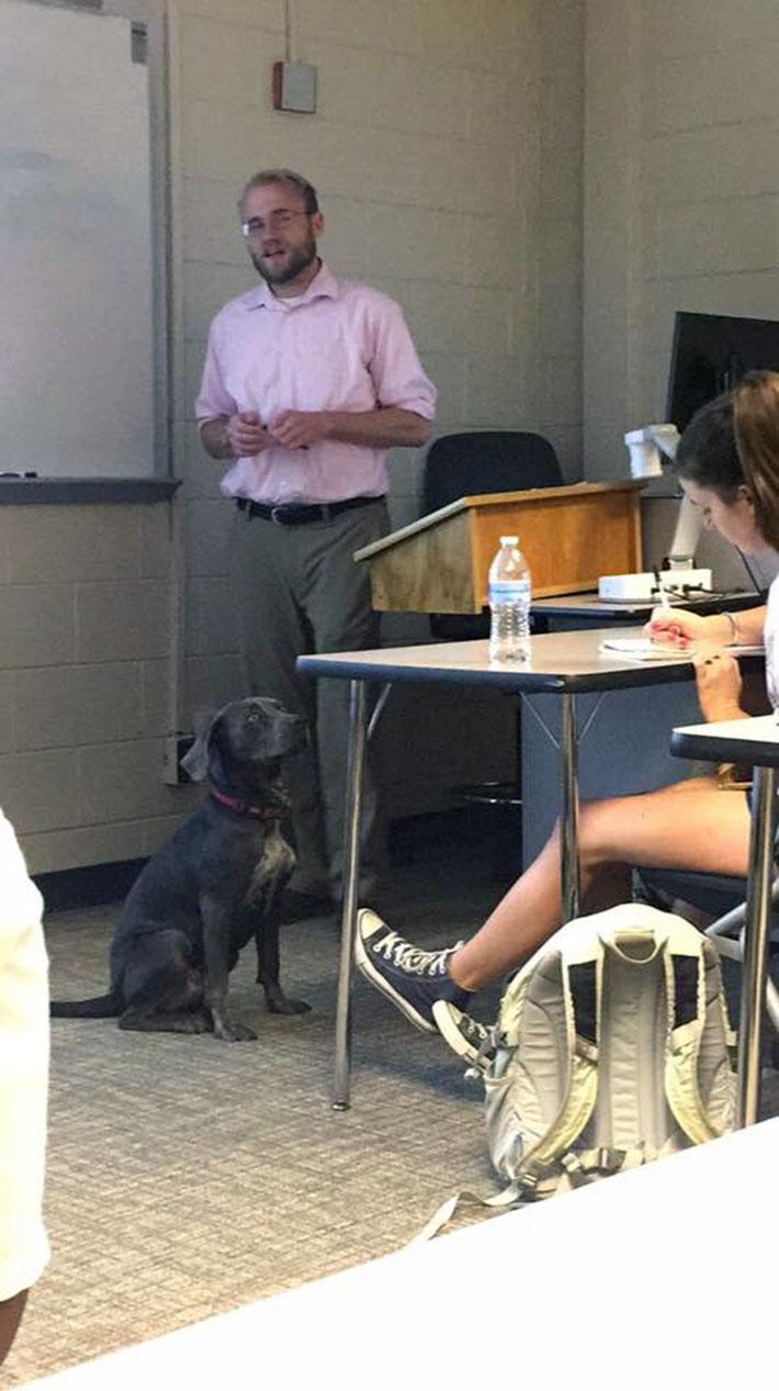 Luna en clases