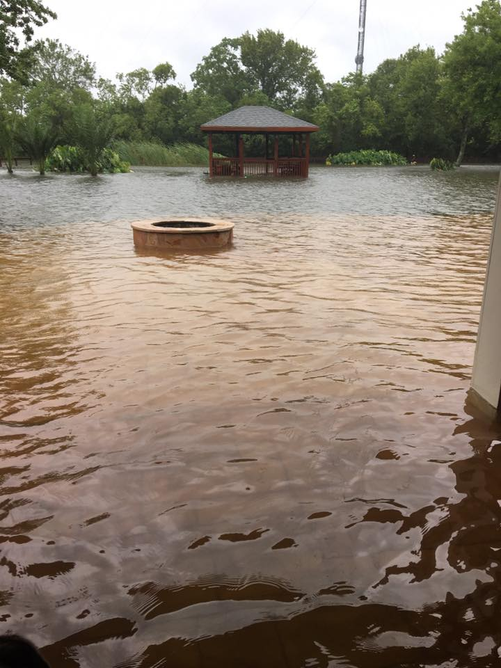 Patio inundado