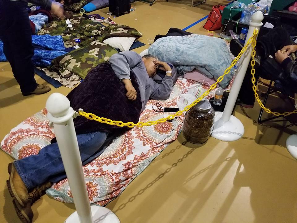 Personas resguardadas del huracán