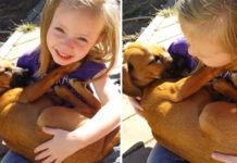 Niña canta a su cachorro rescatado muy dulce
