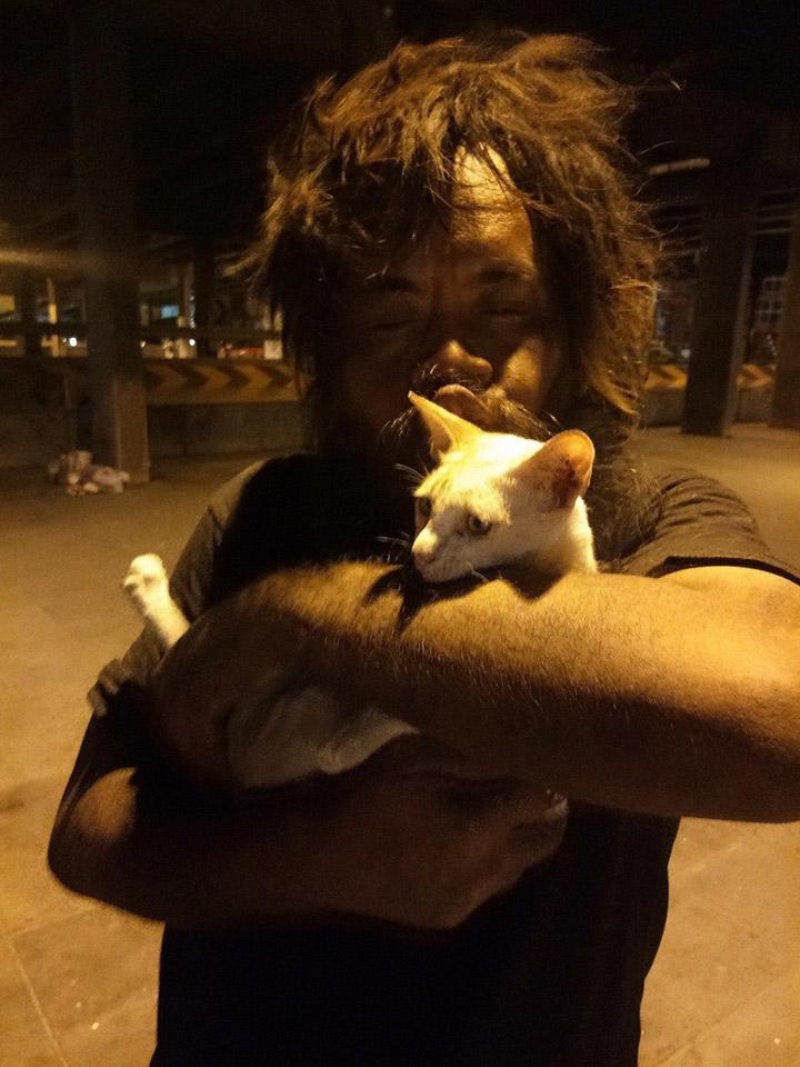 Loong y su gatito