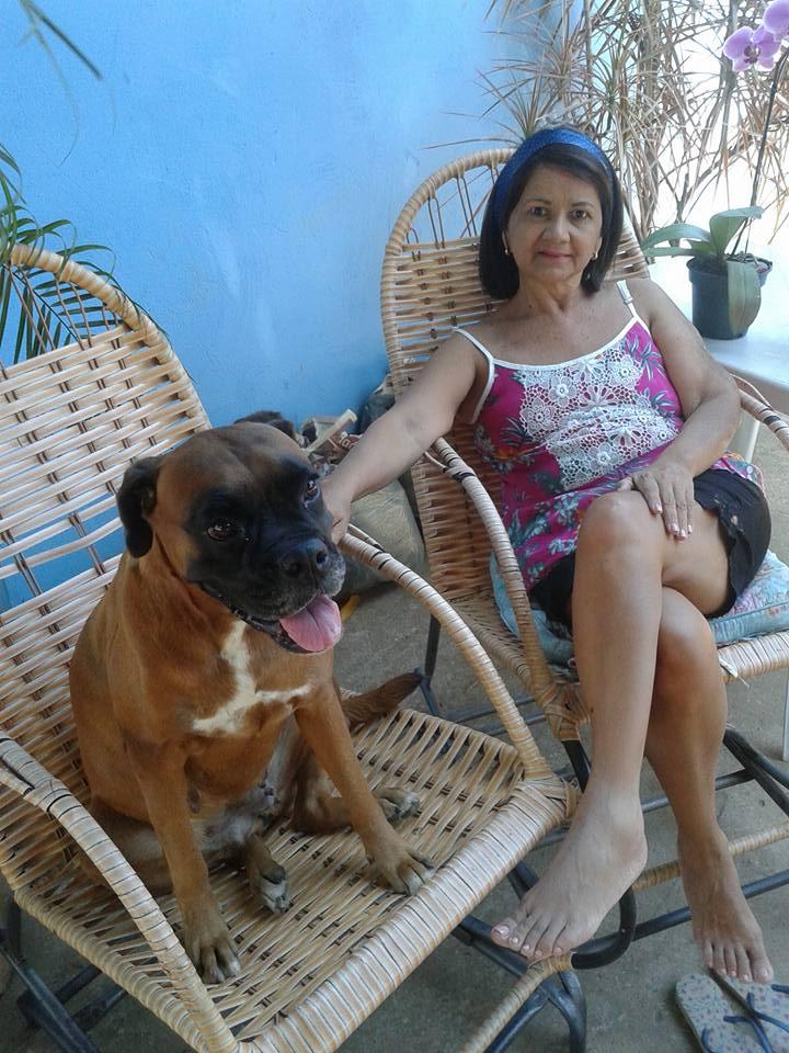 Maria junto a Belinha