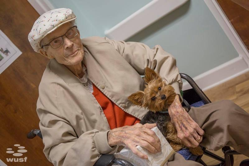 Abuelo y su perro