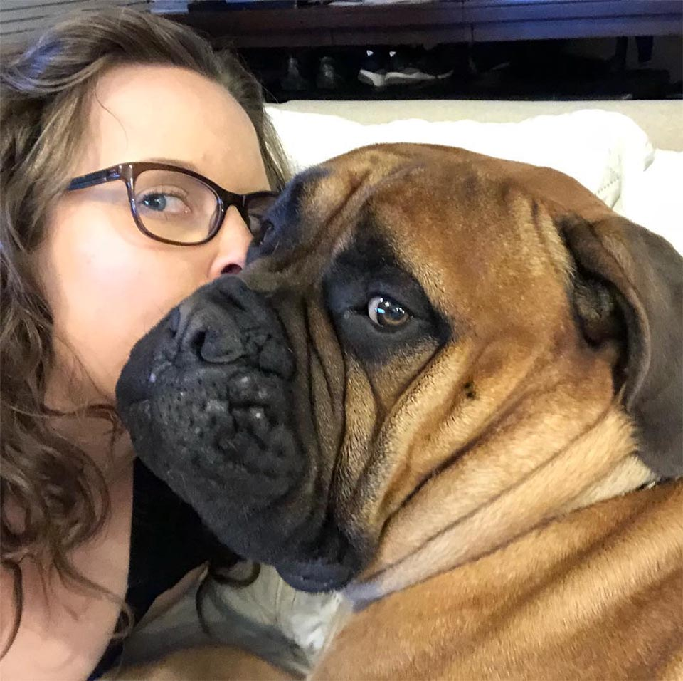 Brutus y mamá
