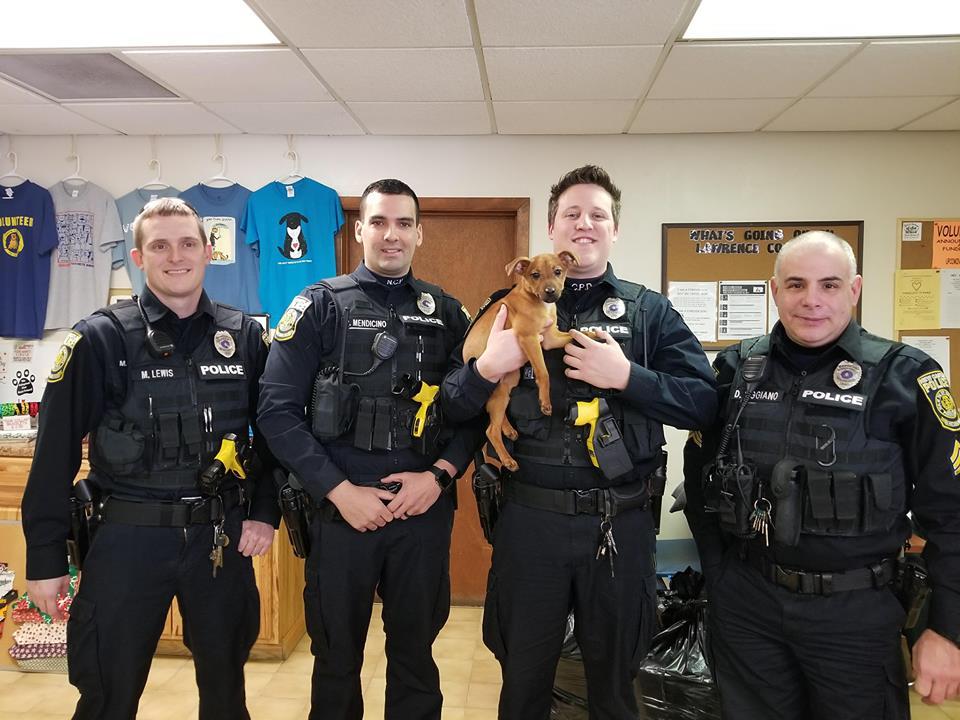 Policías rescatan a Miranda