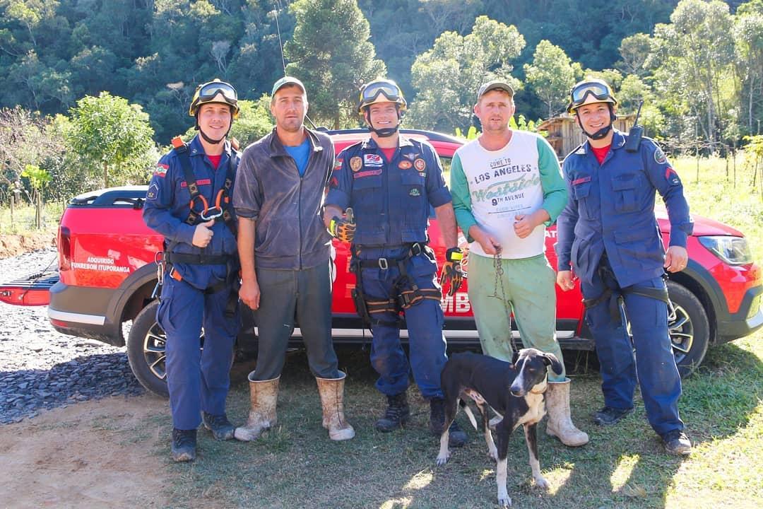 Grupo de rescate de Neguinho