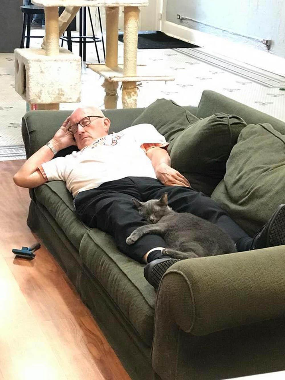 Terry tomando la siesta
