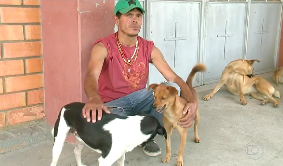 Cézar y sus cuatro perros