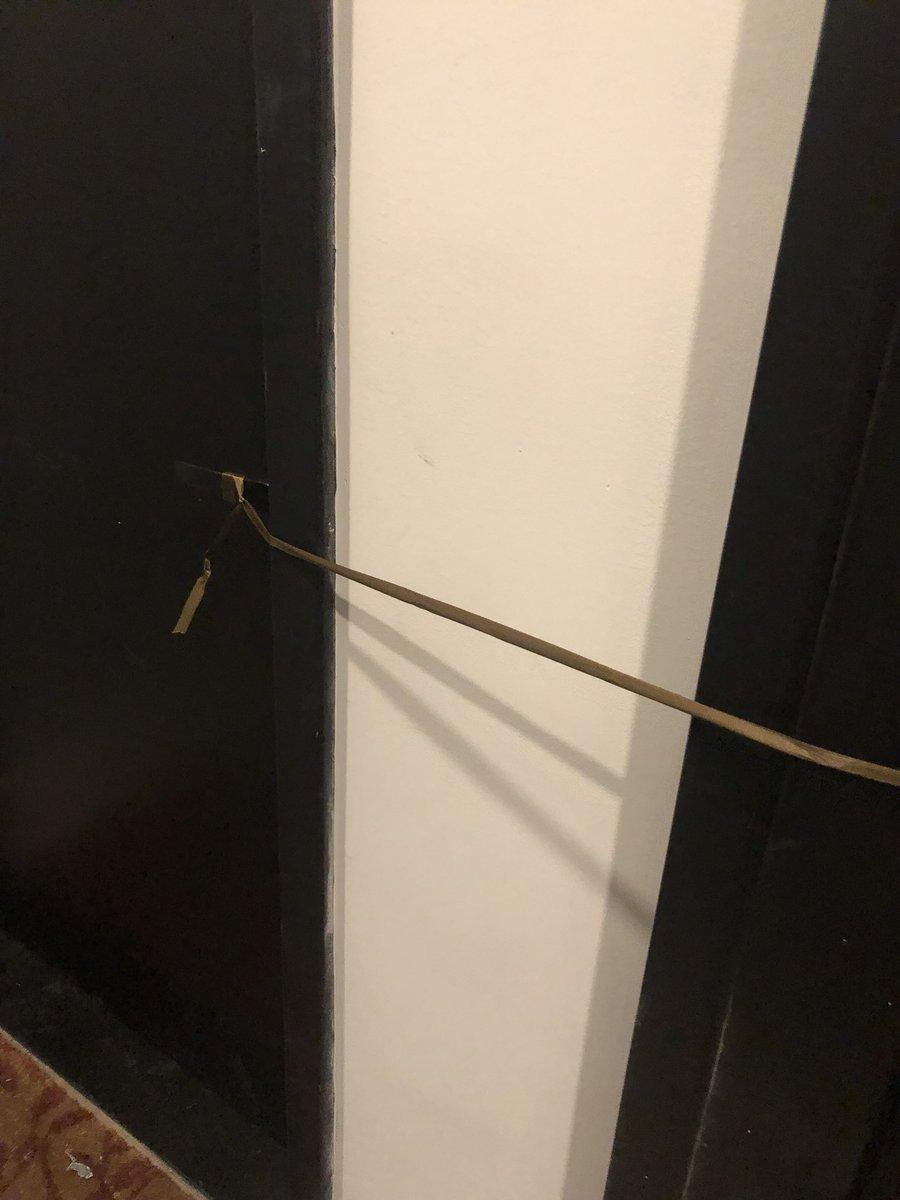 Cuerda en la puerta
