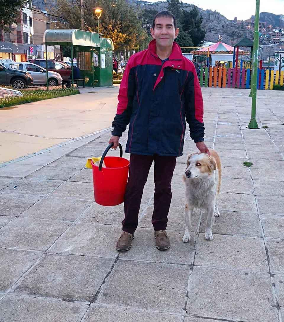 Hombre y perro