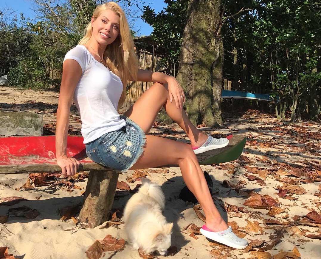 Caroline y su perro