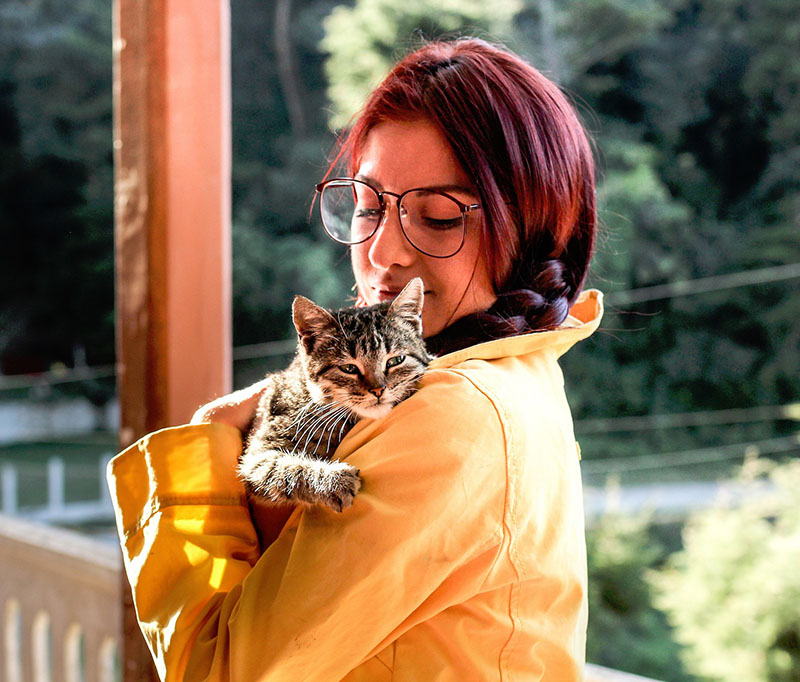 Women and cat