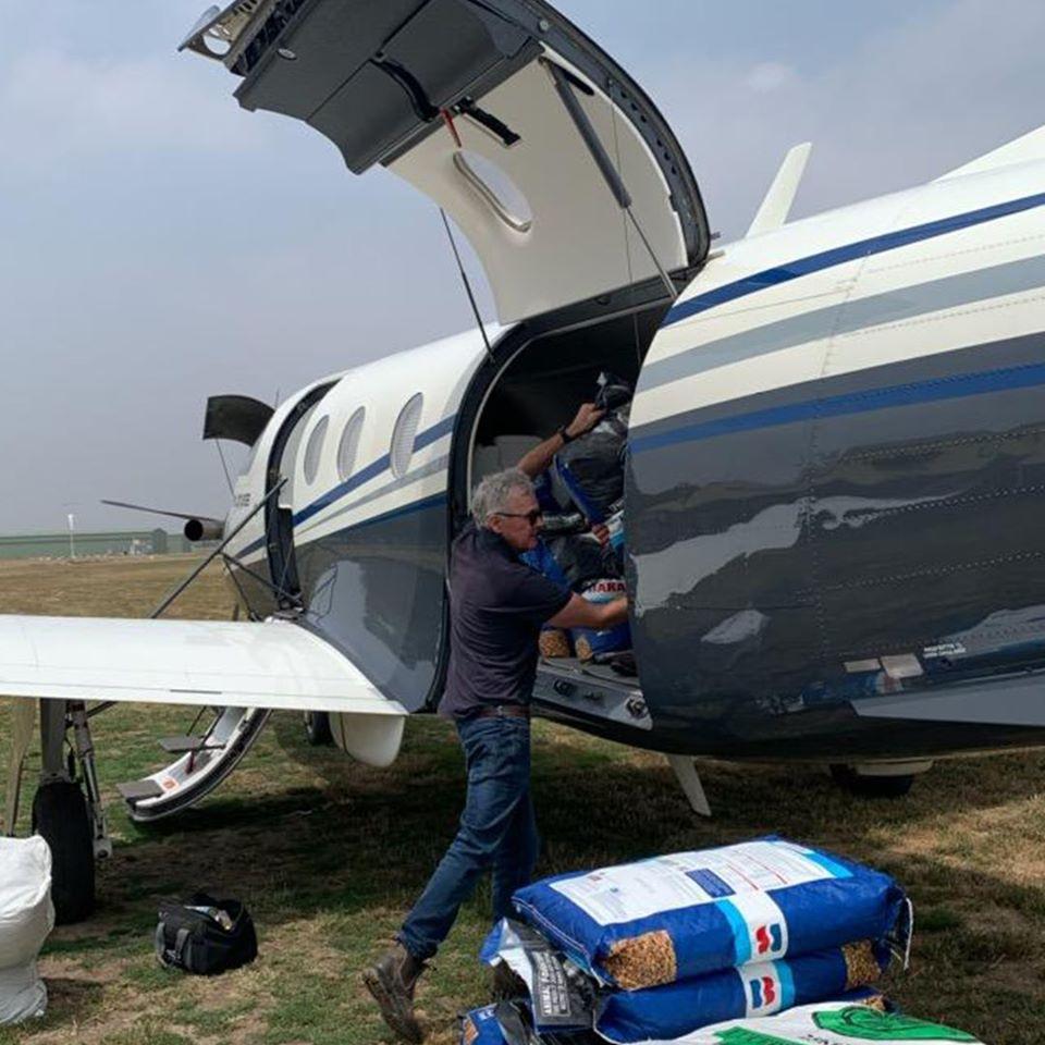 Aviones con alimentos AA