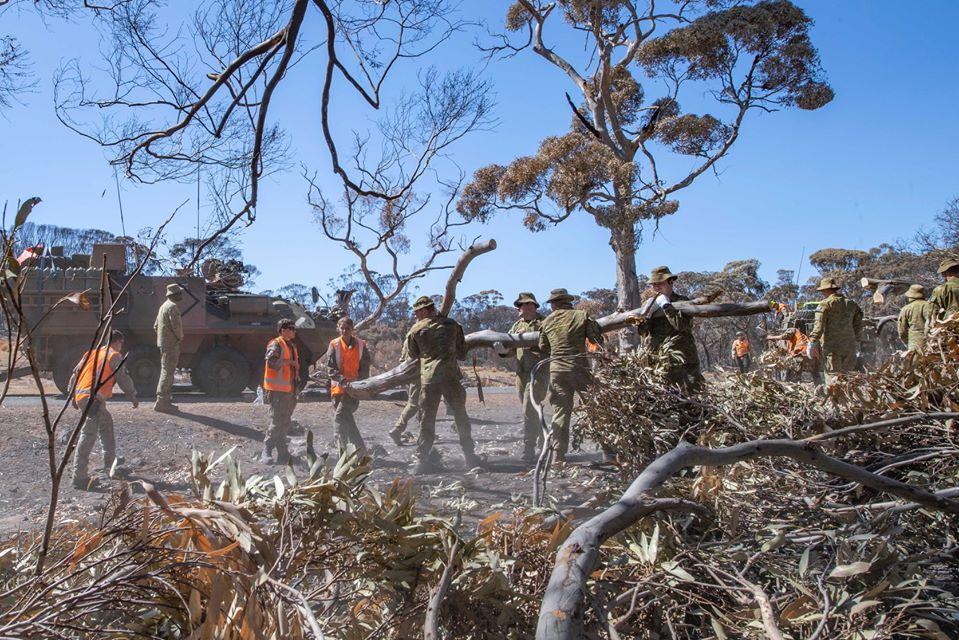 Ejercito ayudando Australia