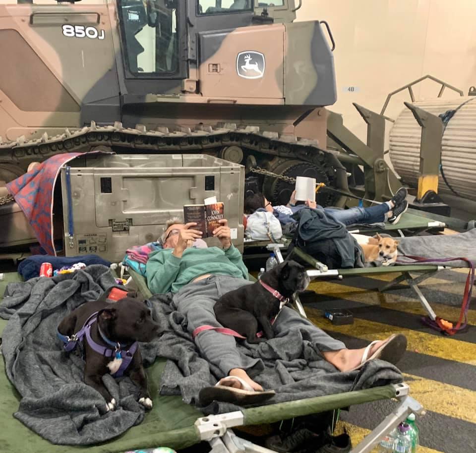 Personas refugiadas en buque