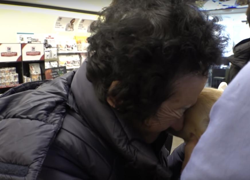 Abuela en el veterinario