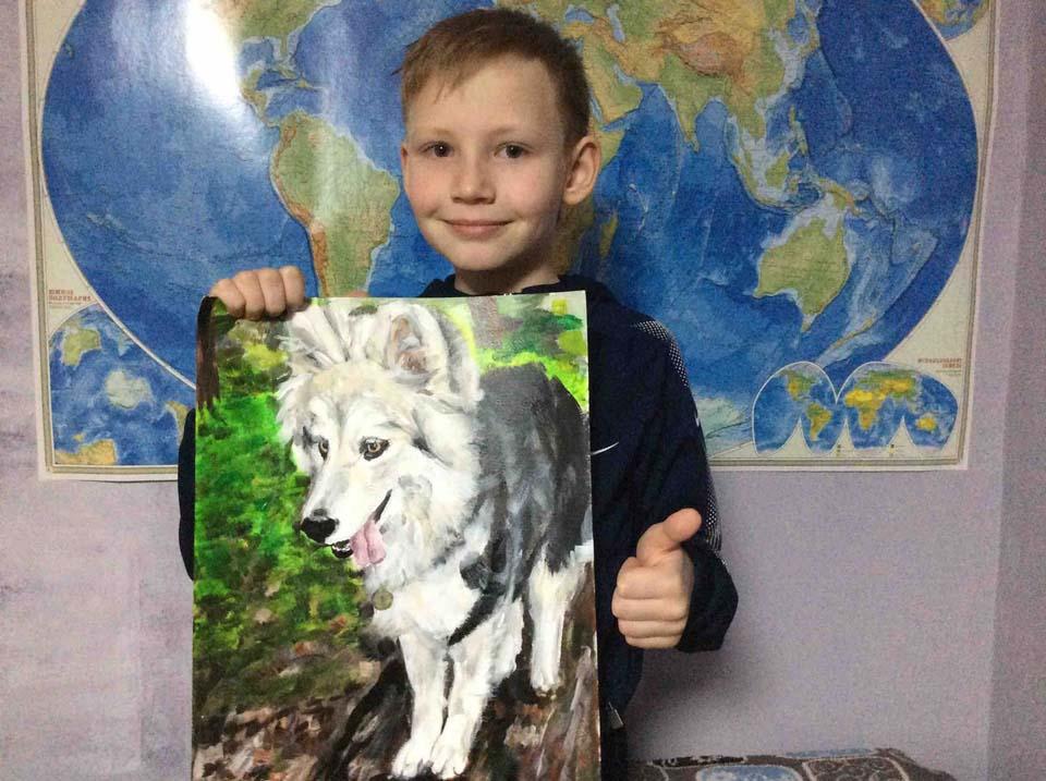 Niño y pintura