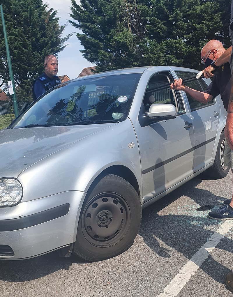 Policía llega al rescate