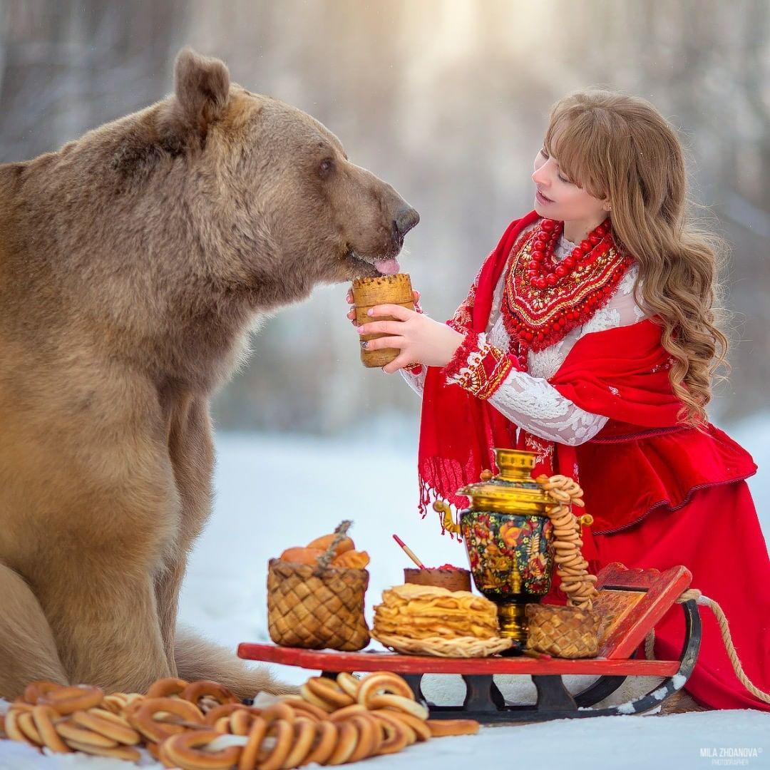 Fotografías de joven y oso pardo